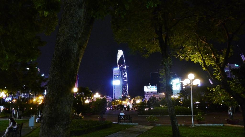 23/9 Park in the Dark. Image (c) 2014 Benjamin J Spencer