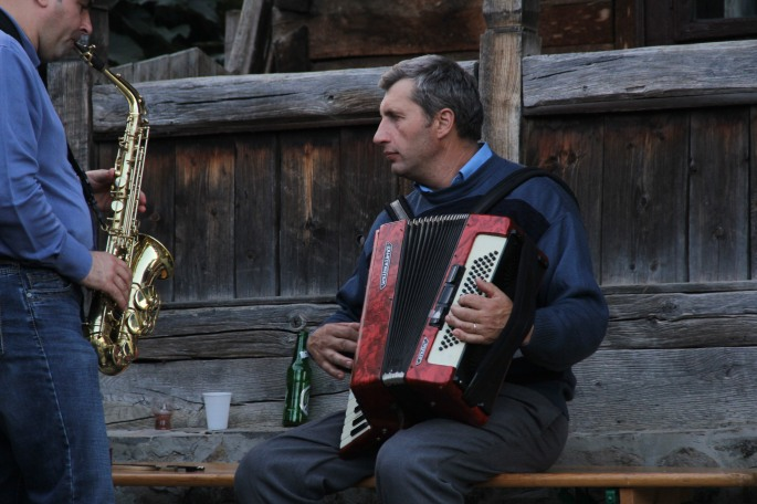 Music time accordion to this guy. (Haha! Get it!)